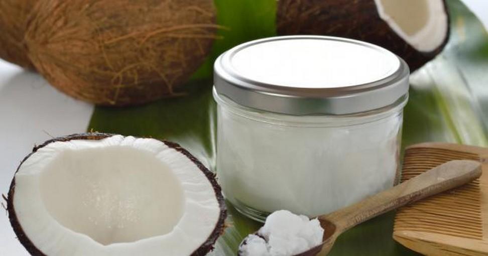 voici ce que fait l huile de coco pour la peau les dents. Black Bedroom Furniture Sets. Home Design Ideas