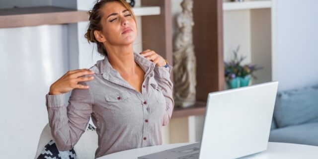 Télétravail : 5 conseils pour limiter les maux de dos